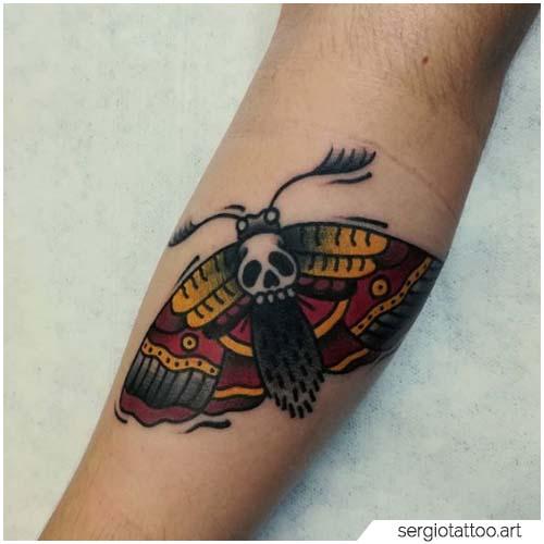 Tatuaggio Falena tradizionale