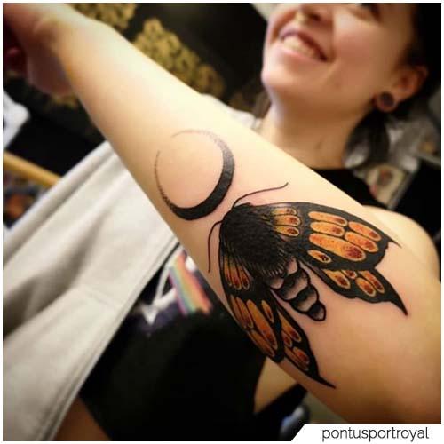 Tatuaggio Falena Luna avambraccio
