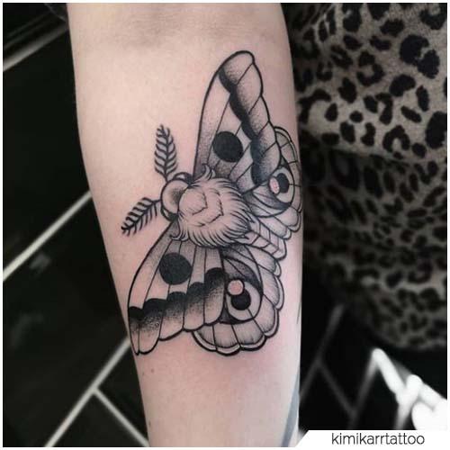 Tatuaggio Falena blackwork