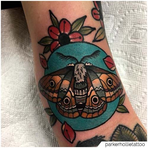 Tatuaggio Falena fiori