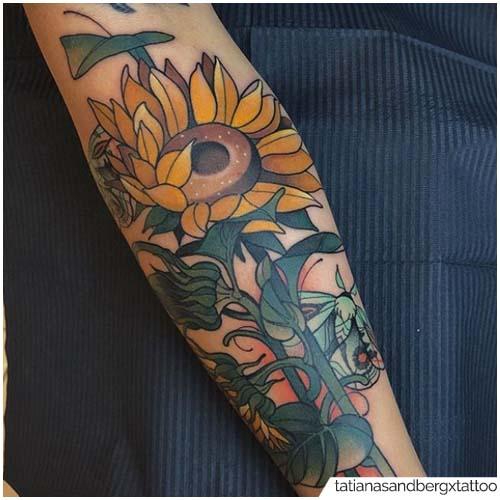 Nuevo tatuaje de girasol escolar
