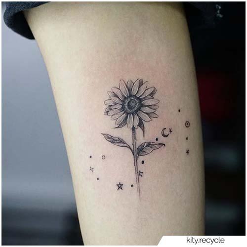 Tatuaggio Girasole Costellazione