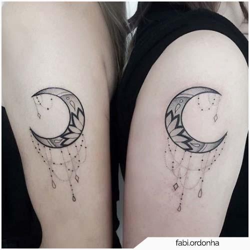 tatuaggio luna sorelle
