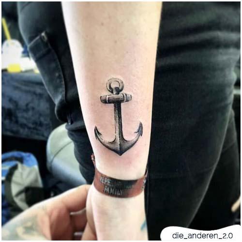 tatuaggio ancora mini realistico