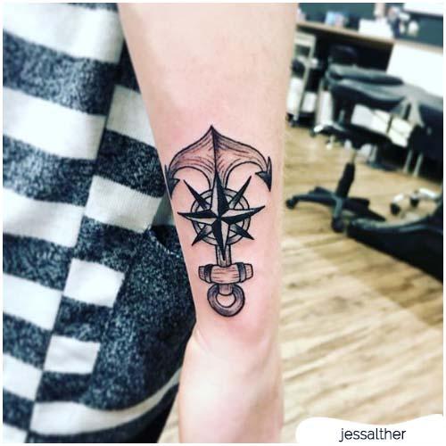 tatuaggio ancora rosa dei venti