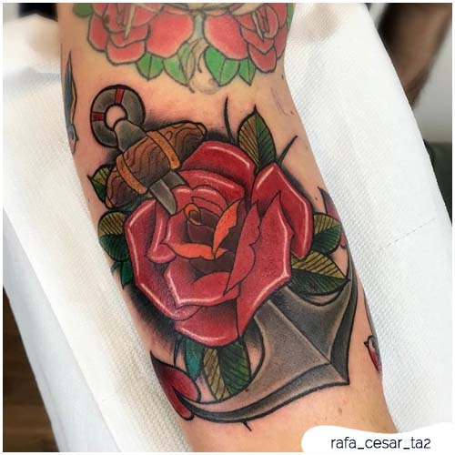 tattoo ancora rosa