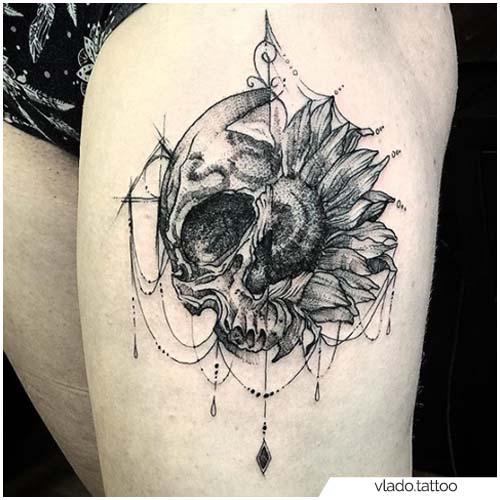 Tatuaje de girasol con calavera