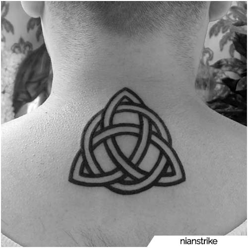 tattoo triquetra collo