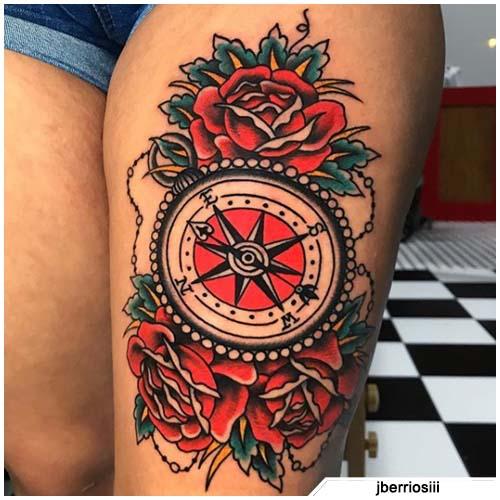 tatuaje de brújula rosa