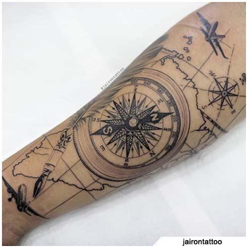 tatuaggio bussola stella