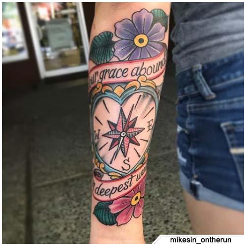tatuaggio bussola cuore old school