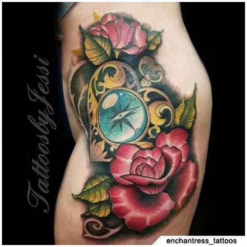 tatuaje de brújula de corazón neo tradicional