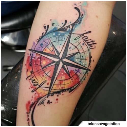 tatuaggio bussola watercolor