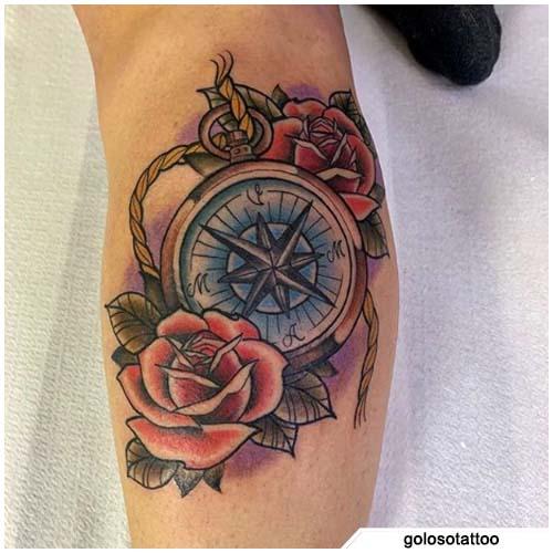tatuaje figurativo rosa brújula