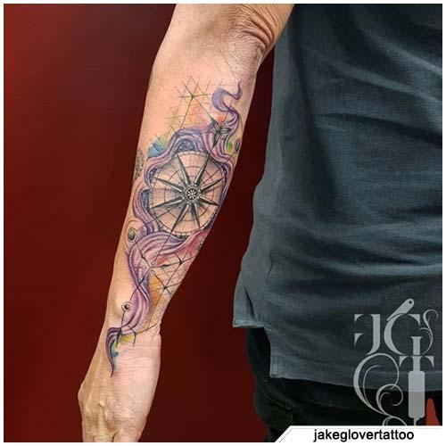 tatuaggio bussola decorazioni acquerello