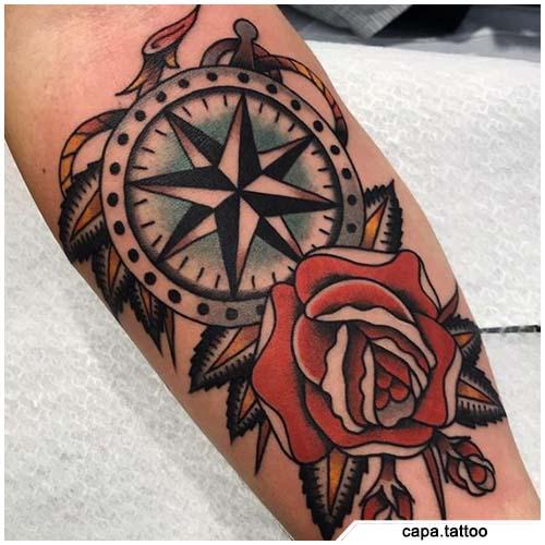 brújula tatuaje y rosa roja