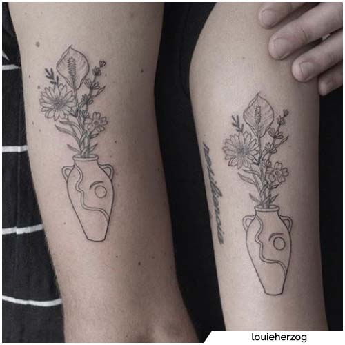 pareja florero tatuaje