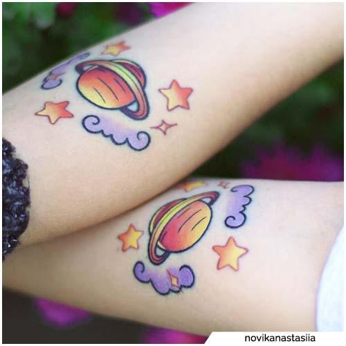 tatuajes de planetas de pareja
