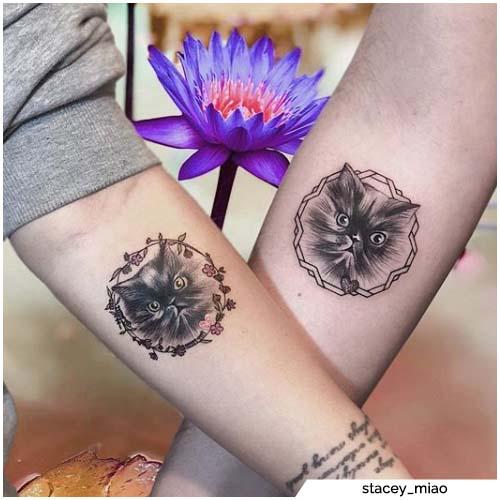 pareja tatuajes gatos blackwork