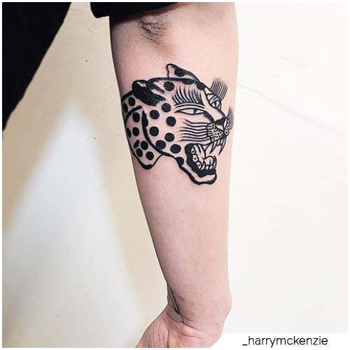 tattoo leopardo traditional blackwork