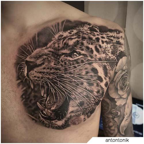 tattoo leopardo pettorali
