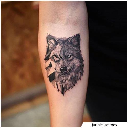 tatuaggio lupo metà geometrico metà realistico