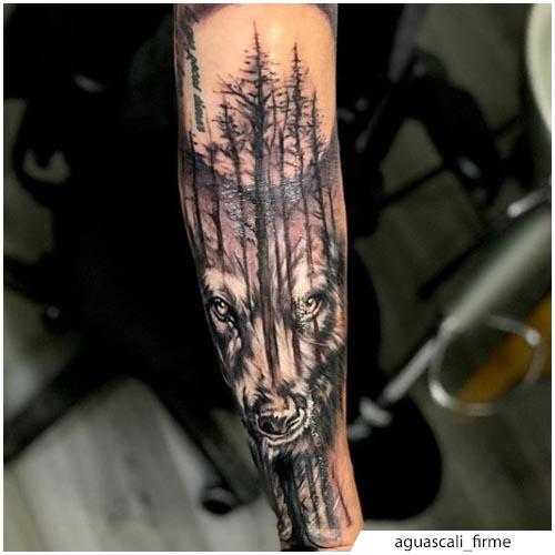 tatuaggio lupo foresta