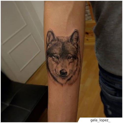 tatuaggio lupo mini realistico