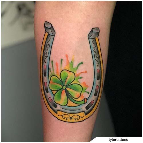 tatuaggio quadrifoglio ferro di cavallo