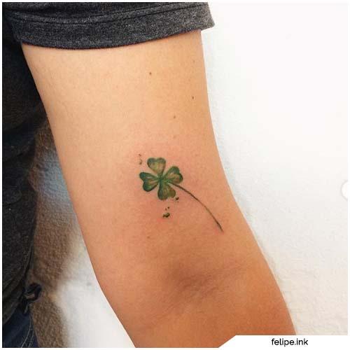 tattoo quadrifoglio gomito