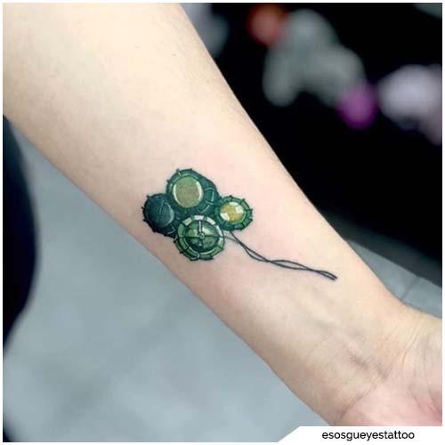 tattoo quadrifoglio ingranaggi
