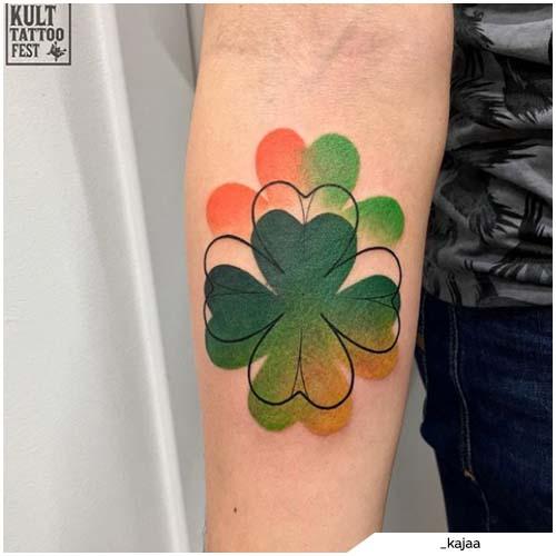 tattoo quadrifoglio avambraccio