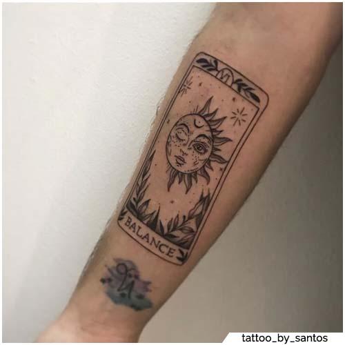 tatuaggio sole tarocchi