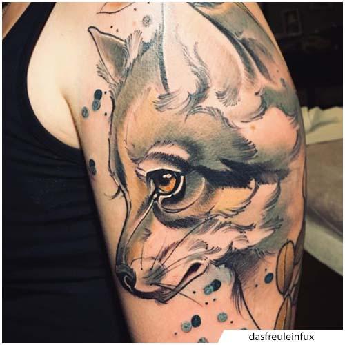 tatuaje de lobo lindo