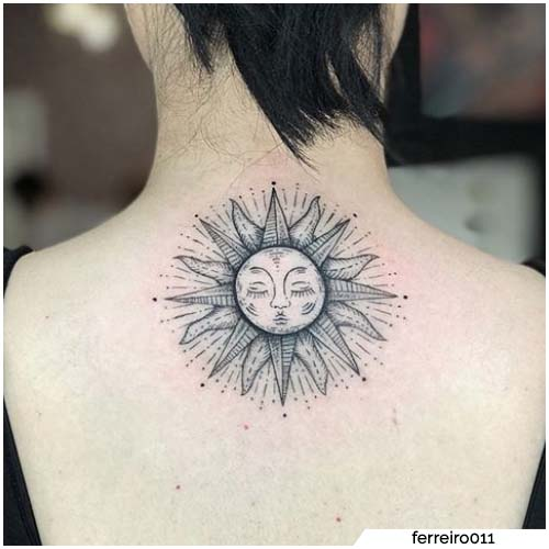 tatuaggio sole schiena