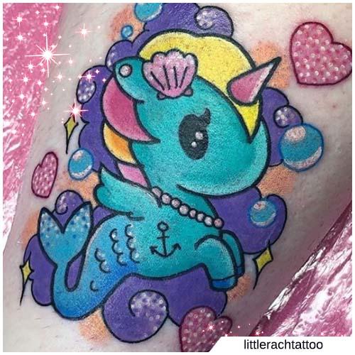Tatuaje de sirena unicornio