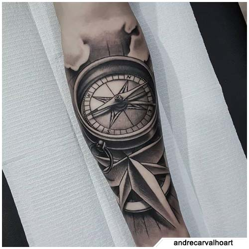 tattoo bussola stella sfondo