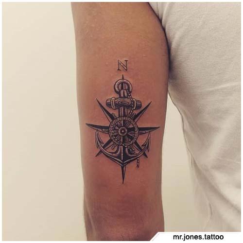 tattoo bussola dietro al braccio