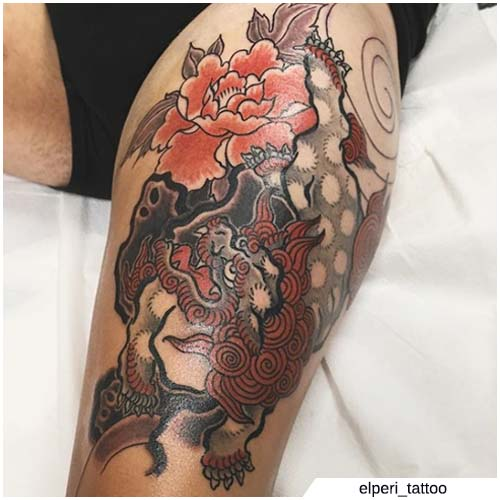 leone giapponese con fiori