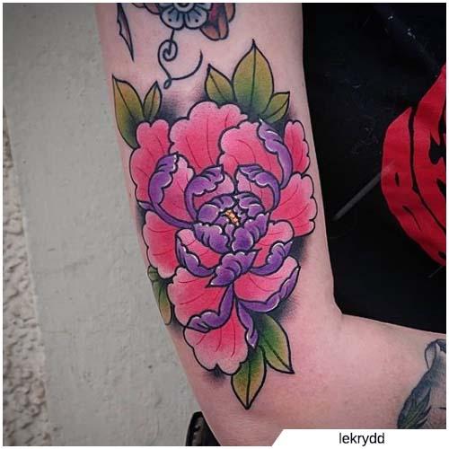 tattoo peonia fucsia