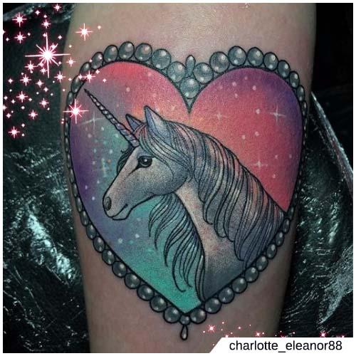 medallón de corazón de unicornio