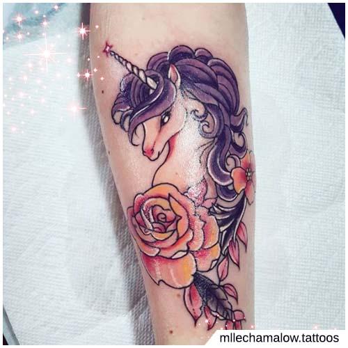 unicornio rosa naranja