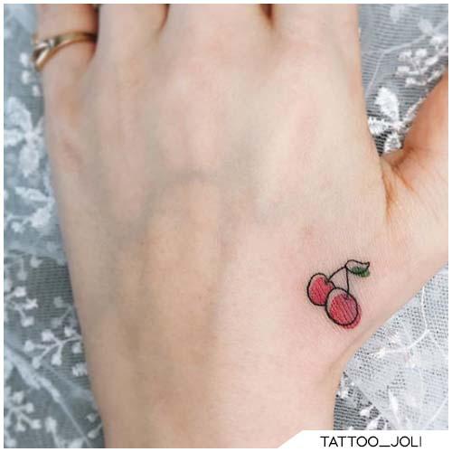 tattoo ciliegie mano