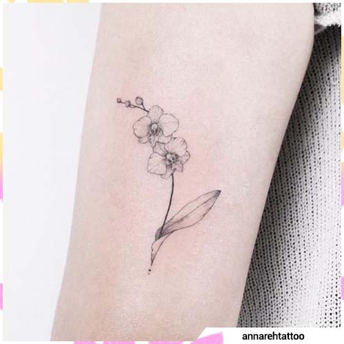 tatuaje mínimo de orquídeas