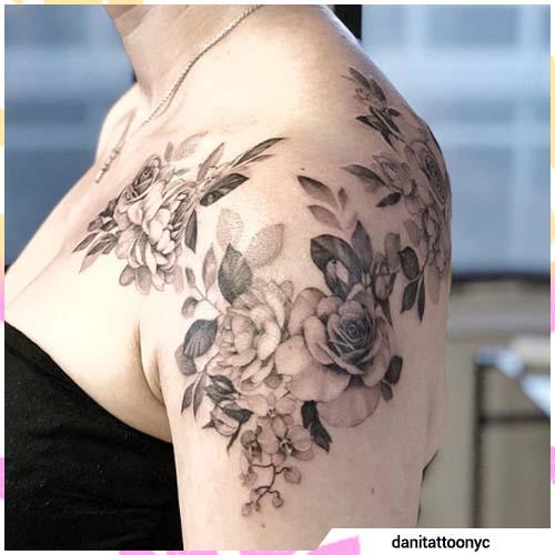 tatuaje de orquídeas de hombro