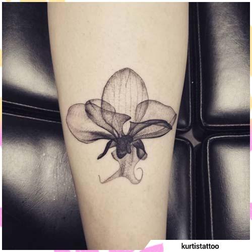 orquídea acuarela blanco y negro