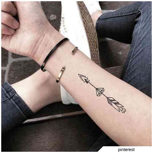 tatuaggio freccia diamante