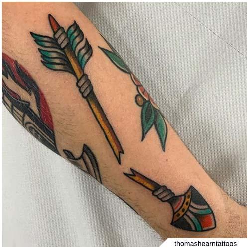 tatuaggio freccia spezzata