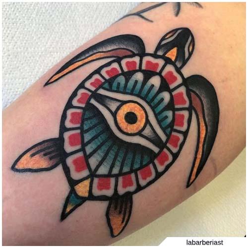 tatuaje de tortuga de ojo