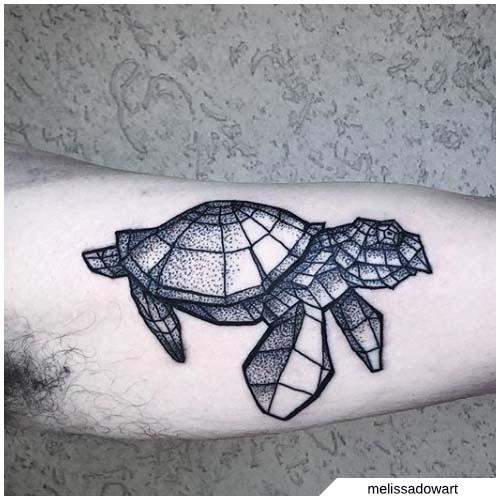 tatuaje geométrico de tortuga